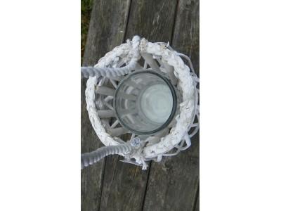 Lampa na svíčku rustikální bílá.