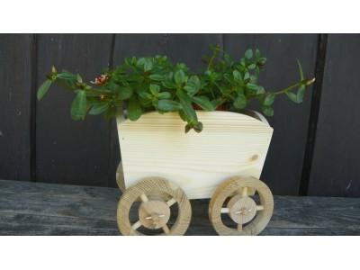 obal na květník dřevěný-čtyři kola