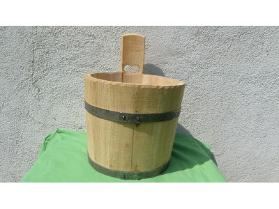 Vědro štoudev dřevěné 4 litry.