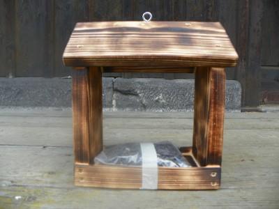 Krmítko dřevěné